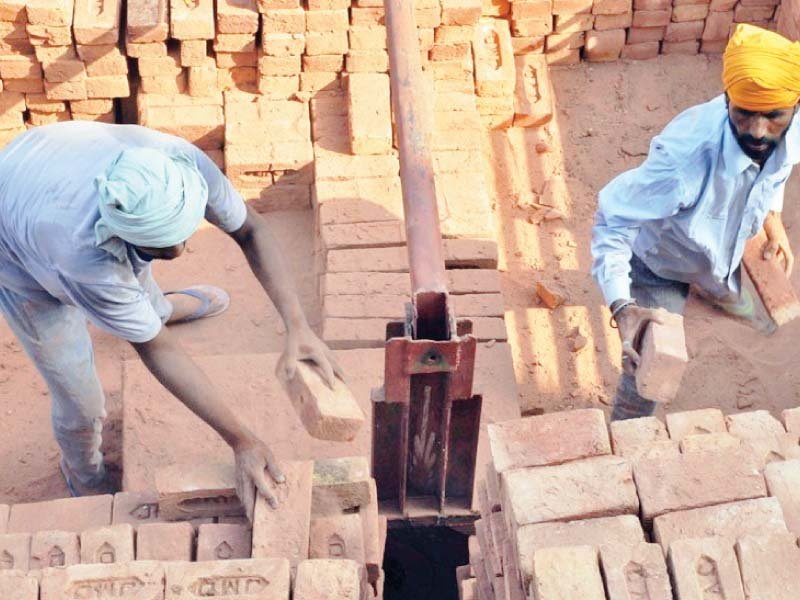 govt to fix wages weekly offs for brick kiln labourers