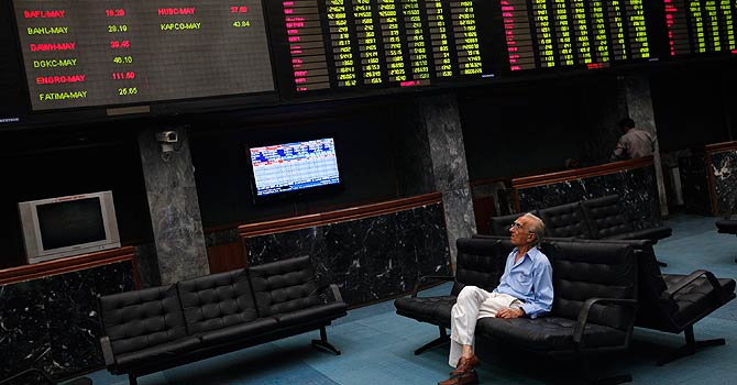 Benchmark index increases 92.3 points to settle at 34,659.85. PHOTO: REUTERS