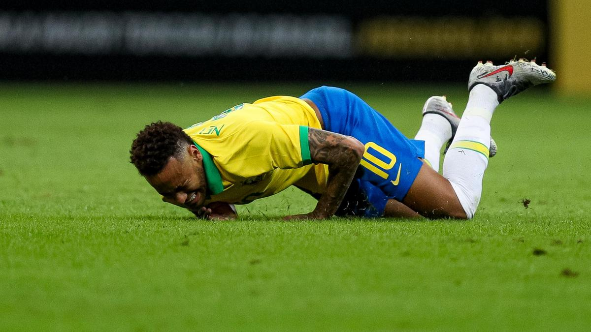 Neymar is embroiled in a rape scandal in which he has been accused of forcing himself on a model he met through social media in a hotel room in the French capital, where he plys his club trade for Paris Saint-Germain. PHOTO: AFP