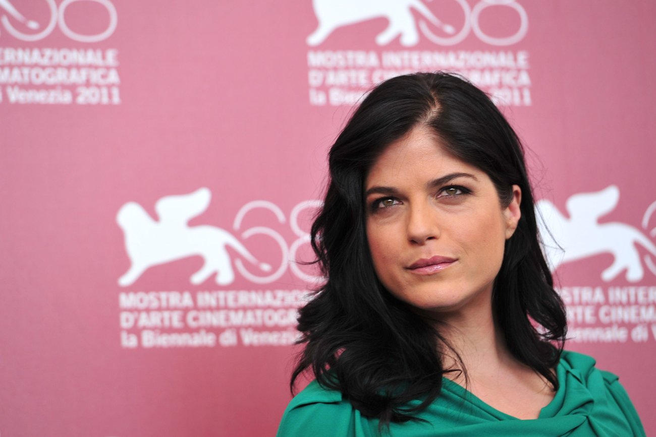 """US actress Selma Blair poses during the photocall of """"Dark Horse"""" at the 68th Venice Film Festival on September 5, 2011 2011at Venice Lido. """"Dark Horse"""" is competing for the Golden Lion in the Venezia 68 category. PHOTO:AFP"""