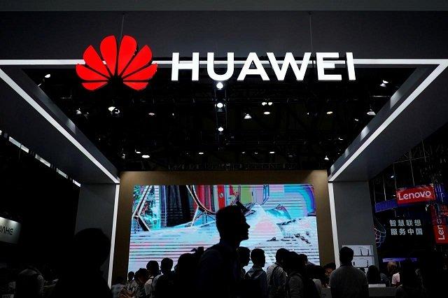 huawei prepares for fall in international smartphone shipments