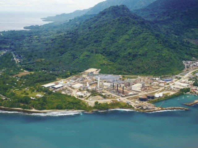 papua new guinea set to end australia refugee contract