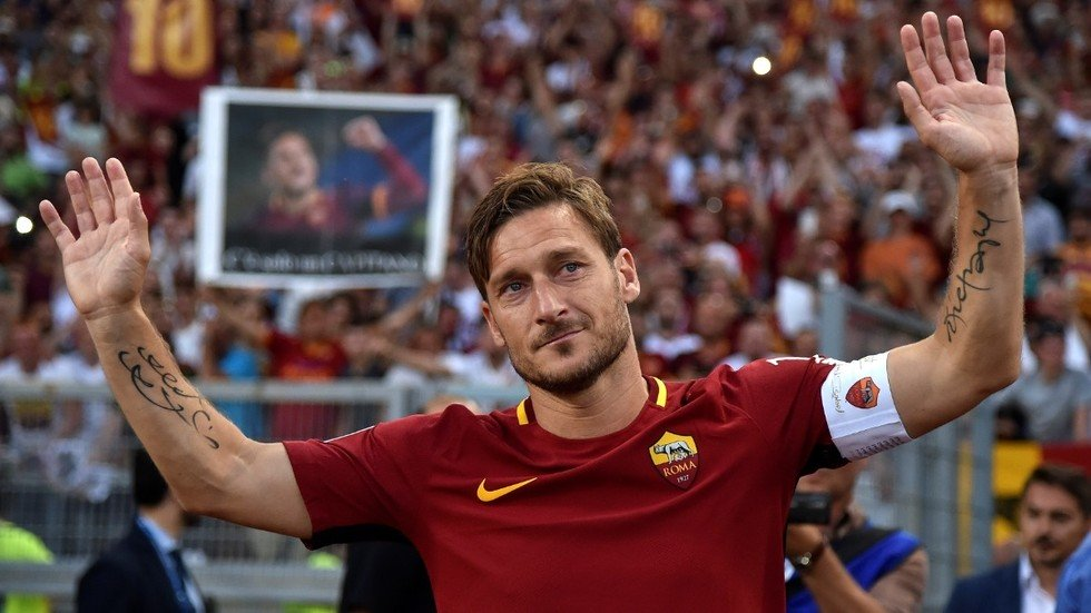 i m leaving after 30 years and it hurts legend totti resigns as roma director