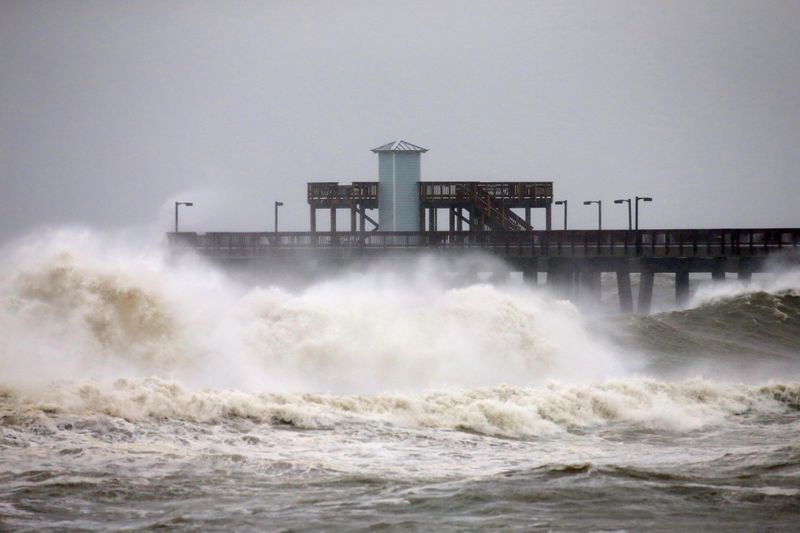 hurricane sally weakens to tropical storm leaves massive floods on us gulf coast