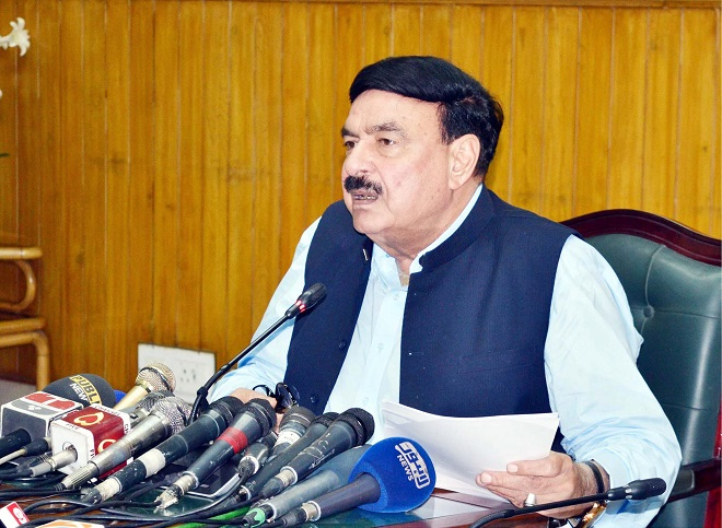 railways minister sheikh rasheed ahmed addresses media in lahore photo ppi