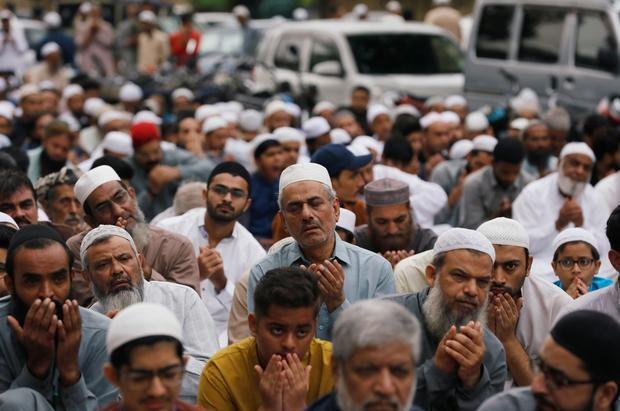 eid dedicated to kashmiris to protest against india s illegal iok move