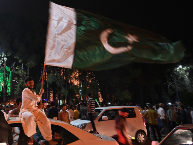 Pakistanis take to the streets during Independence Day celebrations in Islamabad on August 14, 2019, as the nation marks the 73rd anniversary of independence from British rule. (Photo by AAMIR QURESHI / AFP)
