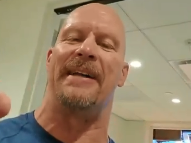 watch wwe wrestler stone cold wishes pakistanis independence day