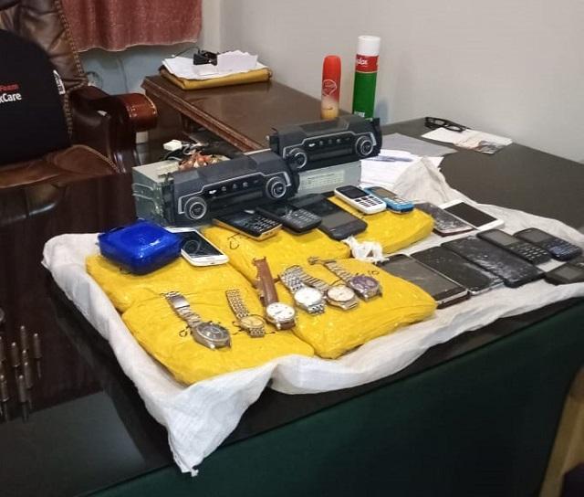 woman held for supplying explosives to terrorists in karachi