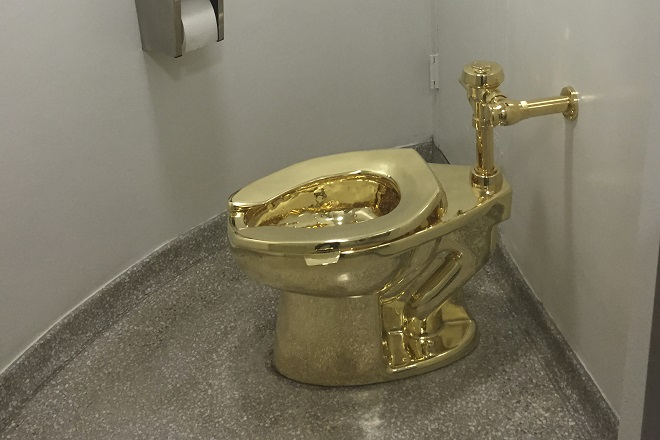 solid gold toilet stolen from english stately home