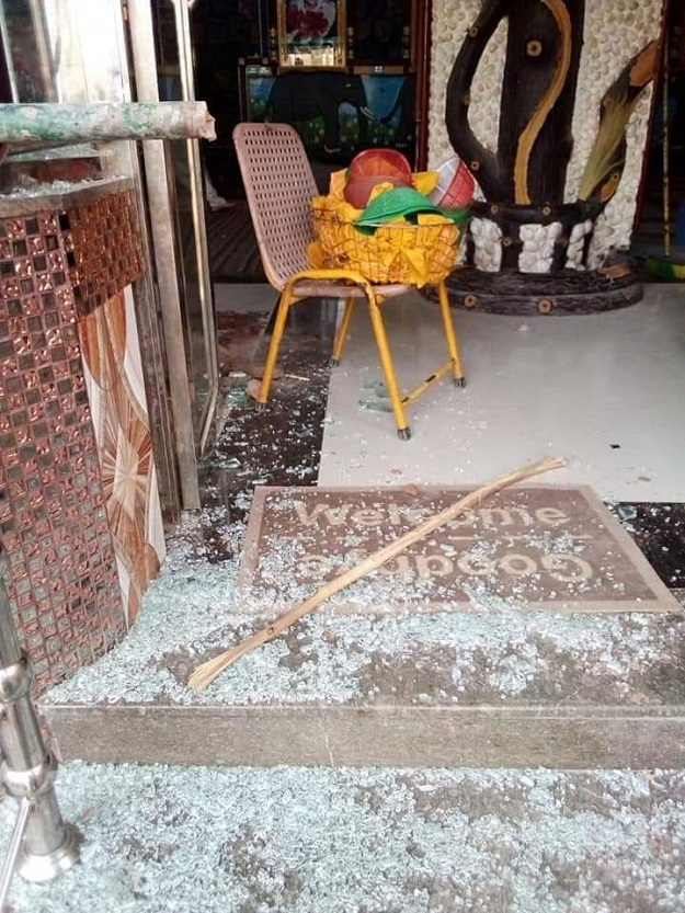 A mob attacked a school and desecrated a temple in District Ghotki after a Hindu school teacher was booked on charges of blasphemy. PHOTO: TWITTER