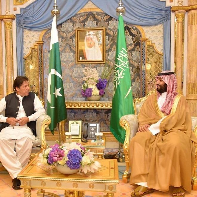 PM Imran KHan meets Saudi Crown Prince Muhammad Bin Salman in Jeddah on Thursday. PHOTO: PM HOUSE