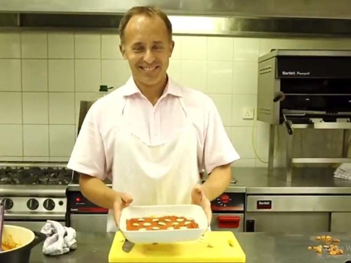 after making round rotis uk envoy cooks gajar ka halwa