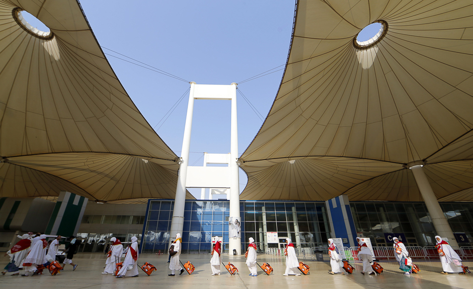 jeddah airport s new terminal opened in tourism push
