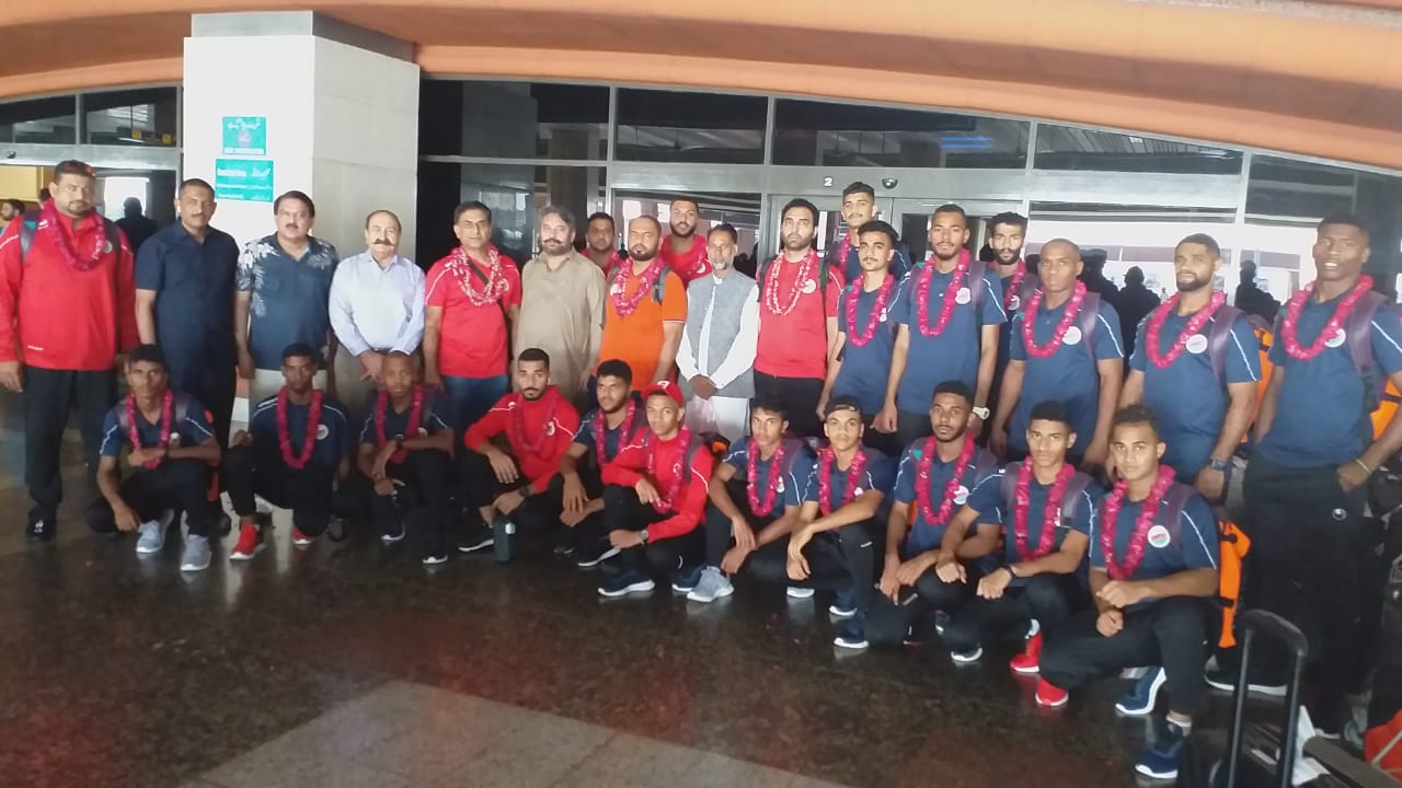 oman visits pakistan to play hockey but sri lanka cricket team steals limelight