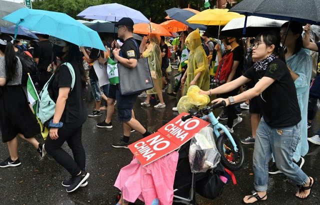 taiwan warns chinese could be barred entry over anti hk violence