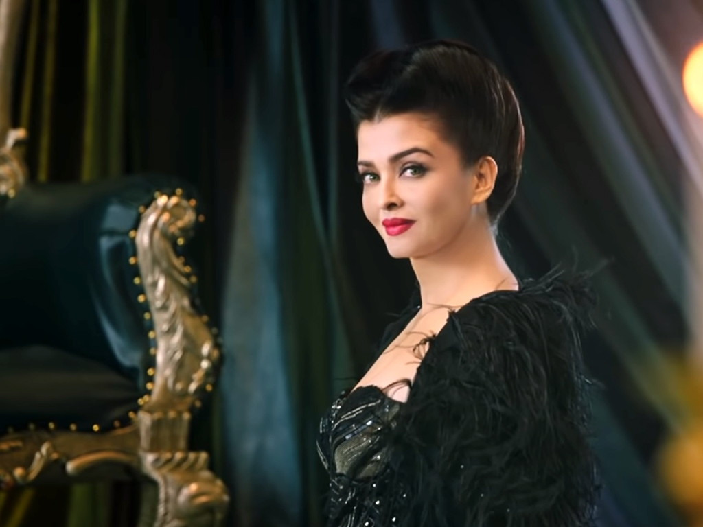 aishwarya rai plays the wicked queen in maleficent trailer