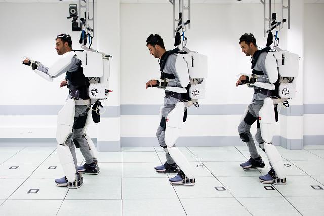 paralysed man walks again with brain controlled exoskeleton