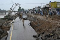 one dead as aftershocks continue in azad kashmir
