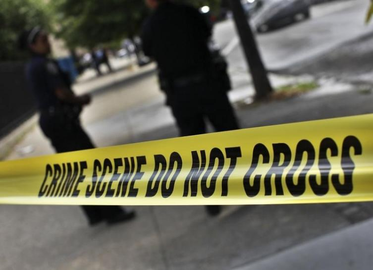 gunman shoots dead four at kansas city bar