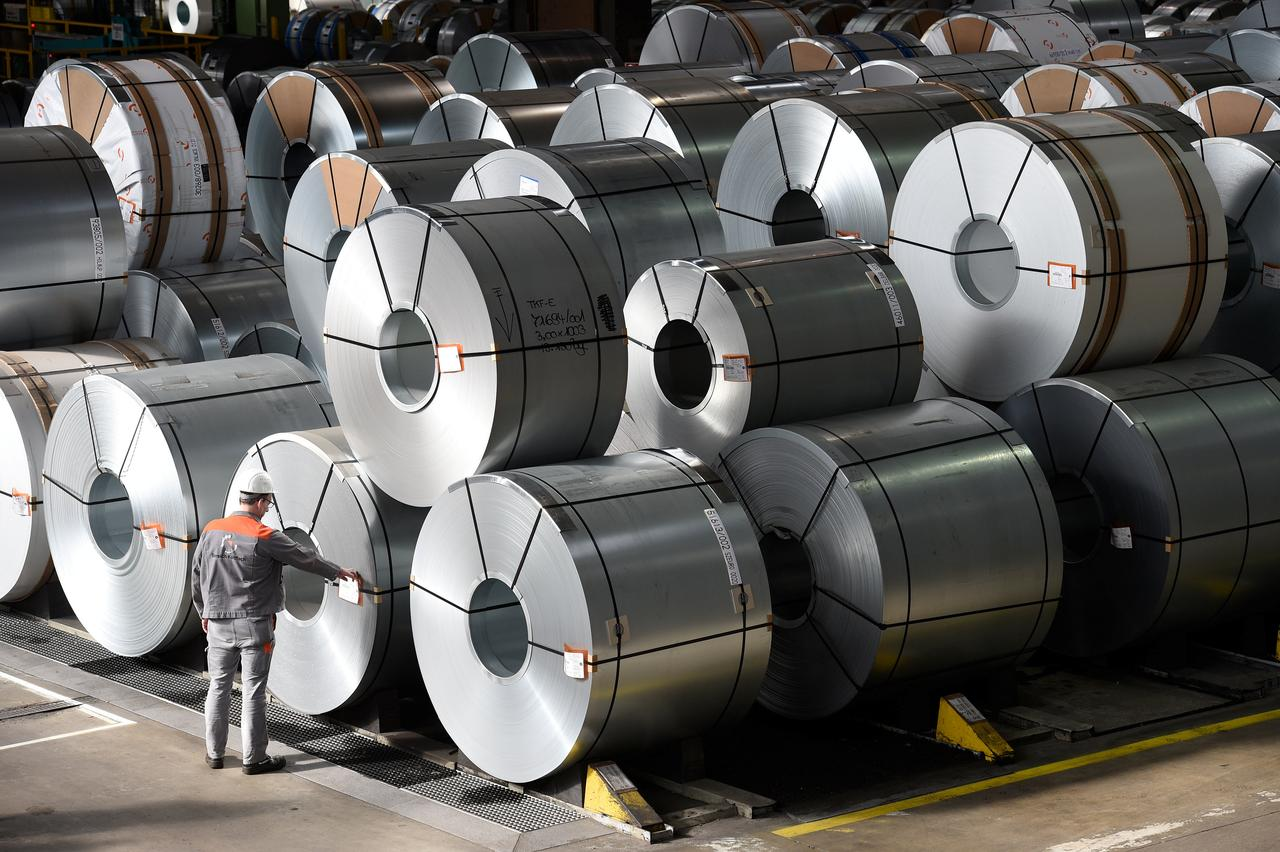 drop in steel prices works well in favour of pakistan