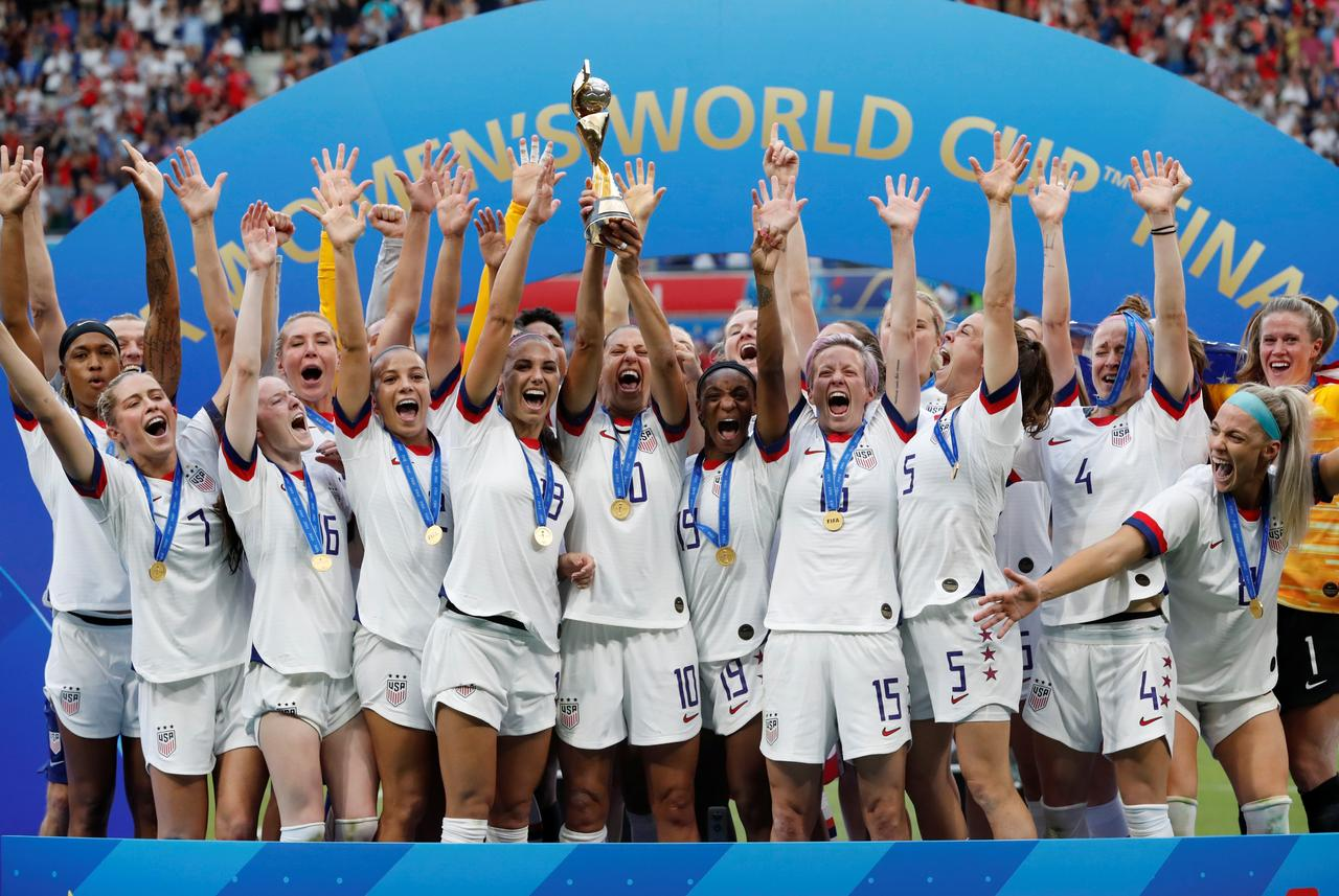 us women s team fights back against governing body s pay claims