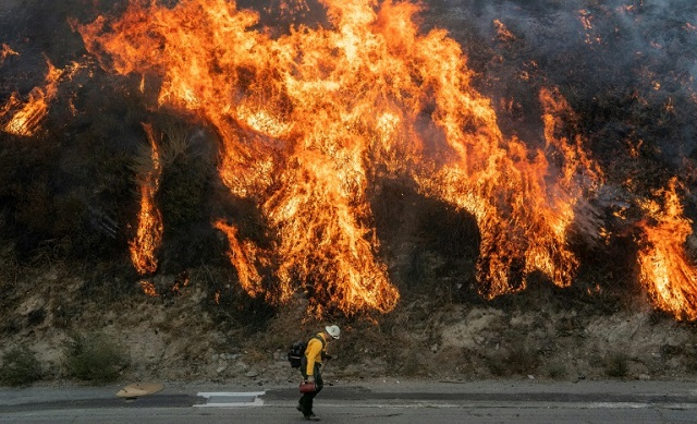 firefighters curb southern california blazes