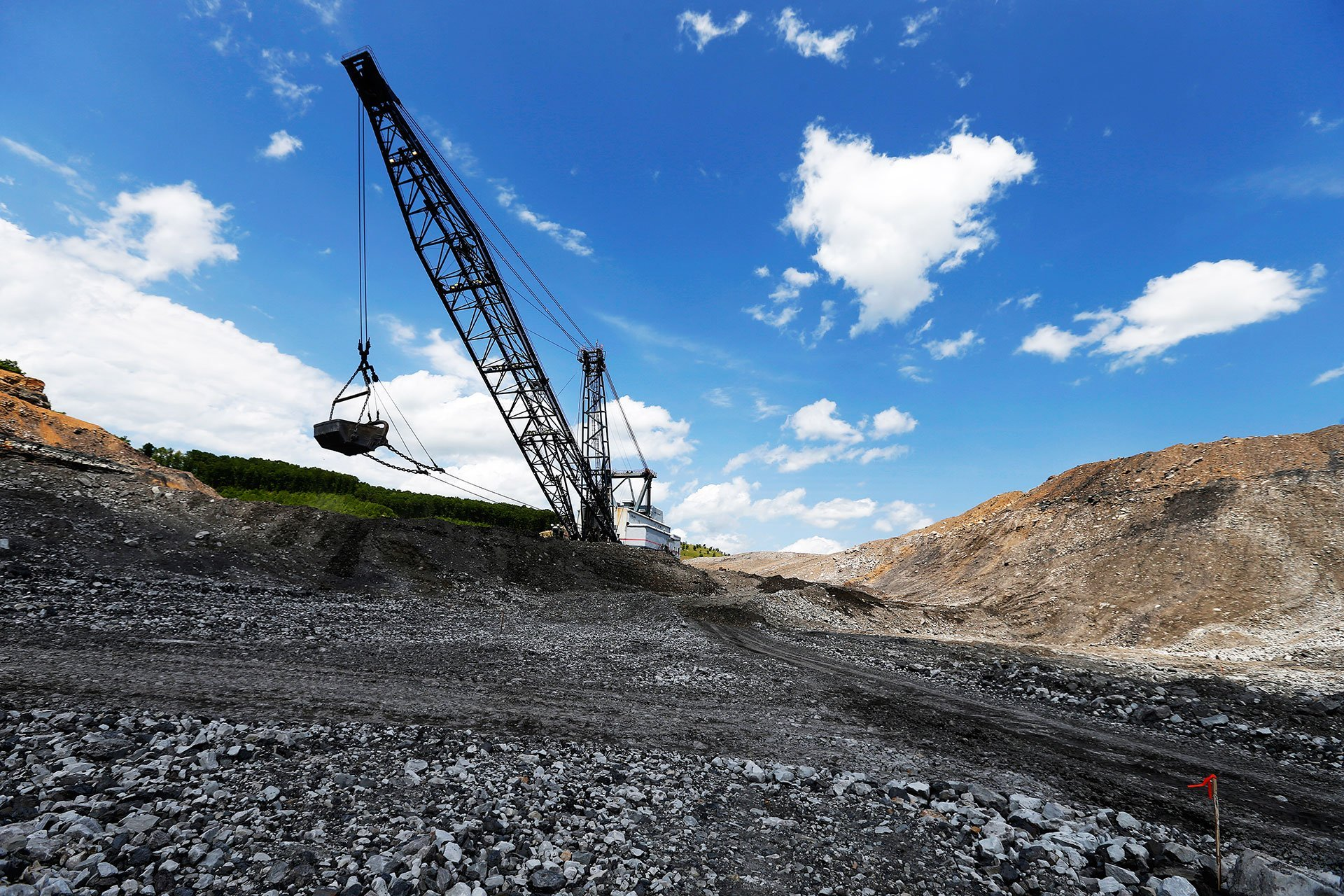 mine lessees to be bound to start work in a year