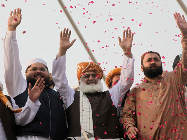 azadi march a national movement says fazl as caravan heads to islamabad