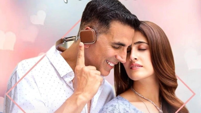 akshay kumar romances 23 year old in new music video