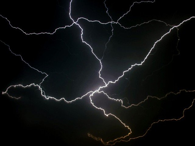 death toll from freak lightning strikes in tharparkar climbs to 25