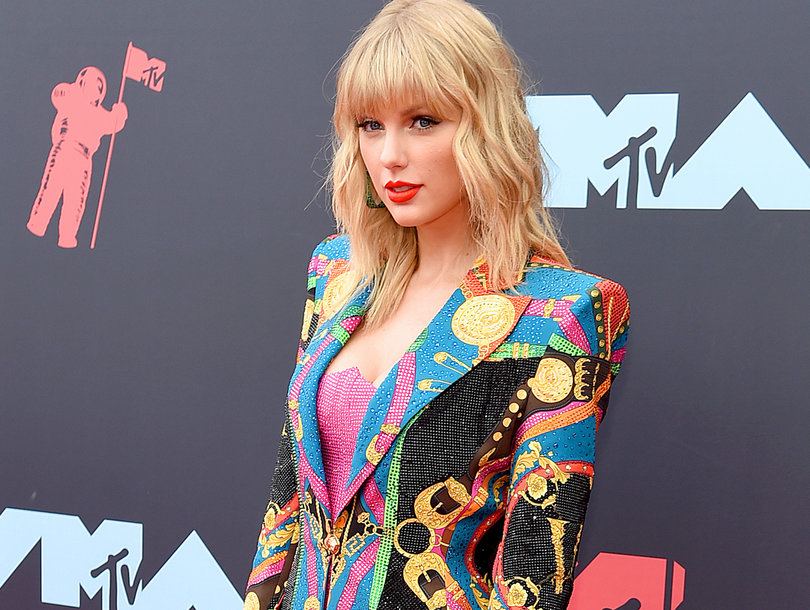 taylor swift is taking a stand against tyrannical record labels