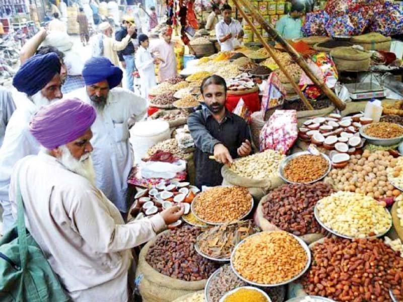 sikh yatrees relish their shopping spree
