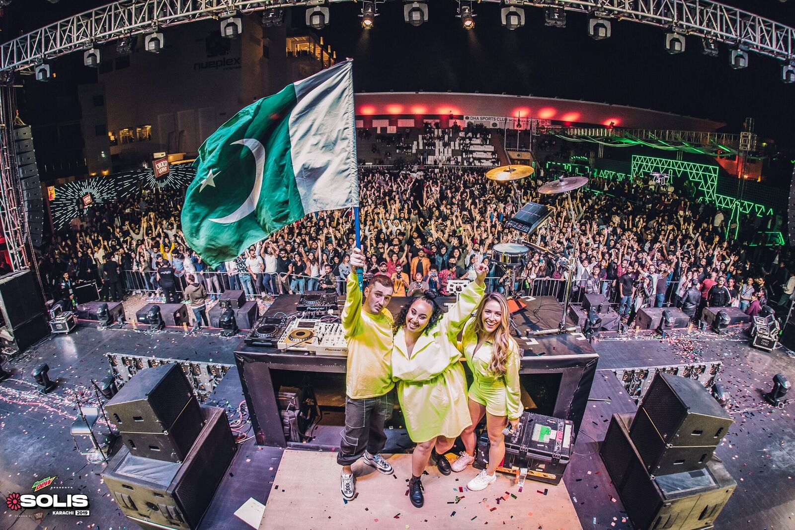 clean bandit sparks fire at solis festival karachi