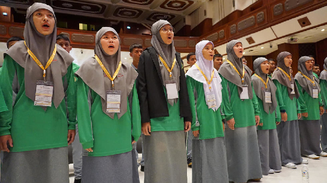 peace prayer muslim choir from restive thai south to sing for pope