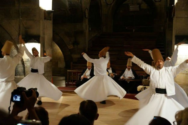 lac holds sufi night