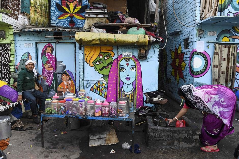 in pictures rainbow murals bring some cheer to new delhi slum