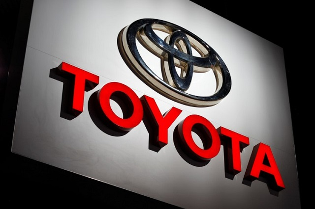 the toyota logo is shown at the los angeles auto show in los angeles california us november 30 2017 photo reuters