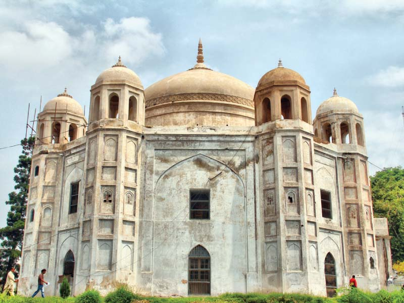 tomb of anarkali a symbol of resilience and love