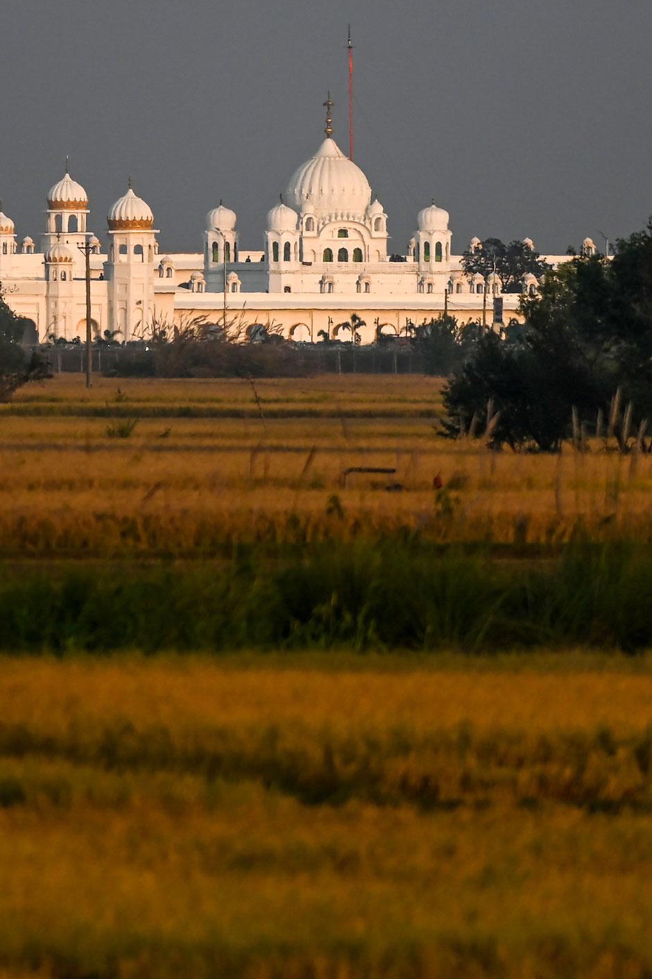 kartarpur shrine photo file