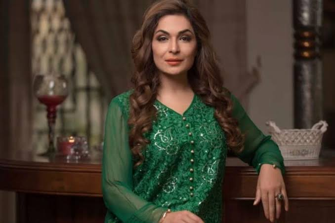 meera jee is trying her luck out with singing once again