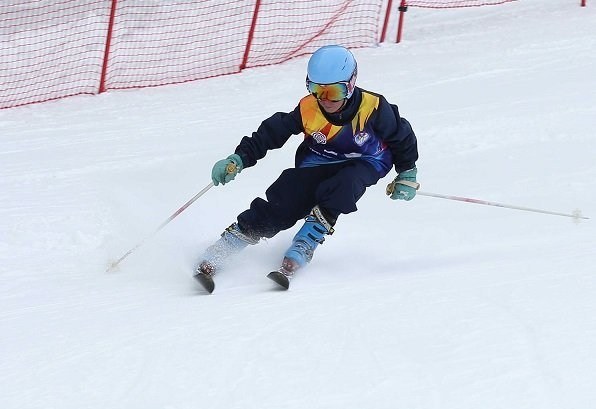 qualifying rounds for ski cup at naltar end