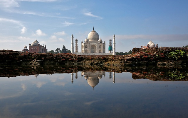 tourists stay away from taj mahal other indian attractions as protests flare