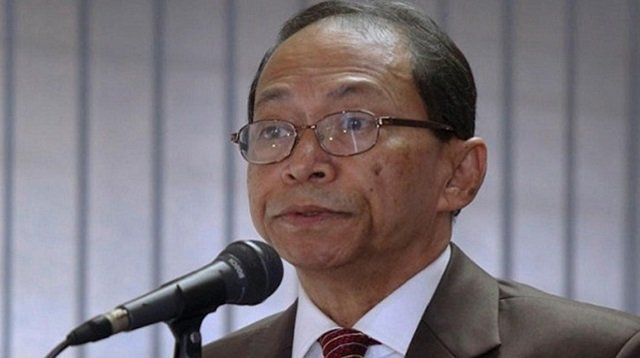 bangladesh orders arrest of fugitive former chief justice