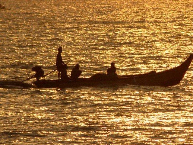 pakistan releases 20 indian fishermen