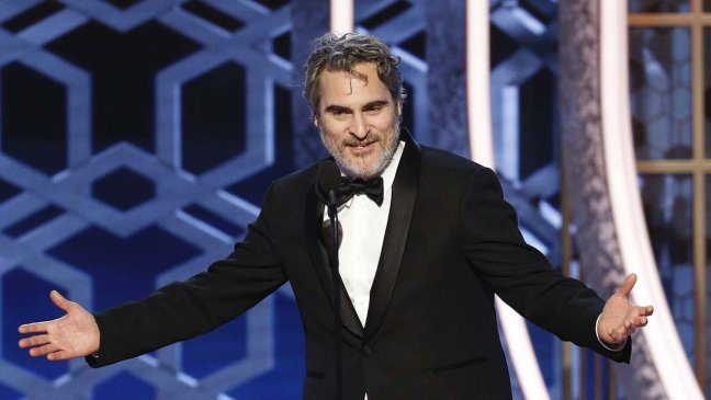 joaquin phoenix wins best actor for joker at the golden globes 2020