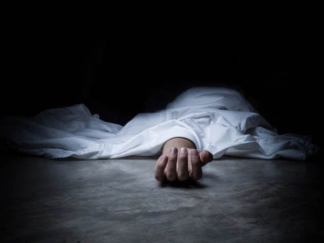 dead woman returns to life during funeral bath