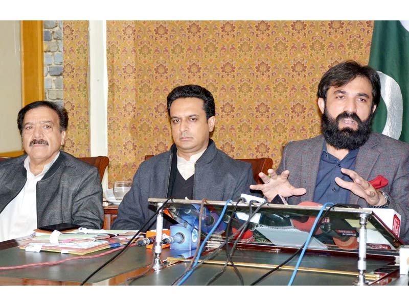 Quetta Deputy Commissioner Aurangzaib Badini addresses a press conference in the provincial capital. PHOTO: INP