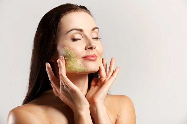 4 home remedies to help skin look younger and firmer