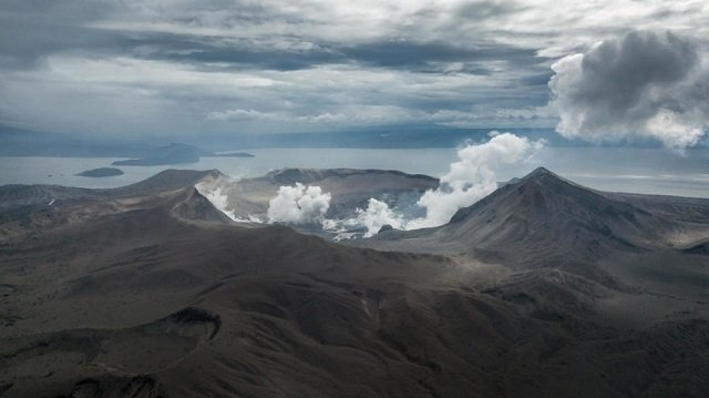 lost and damaged philippine volcano steals livelihoods